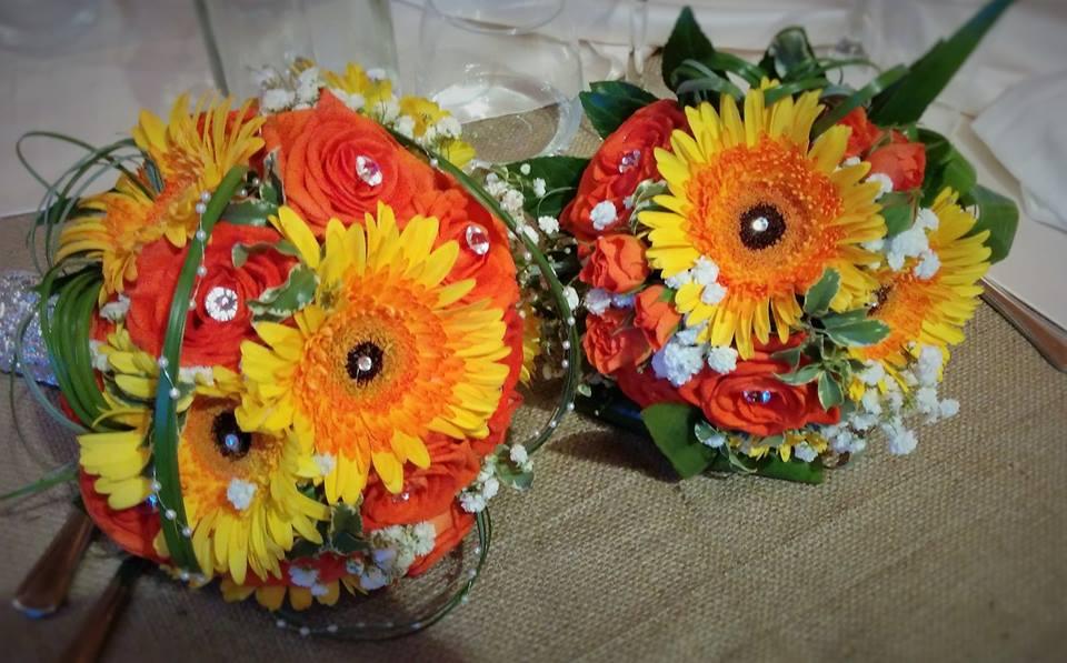 2 bouquet matrimonio colorati